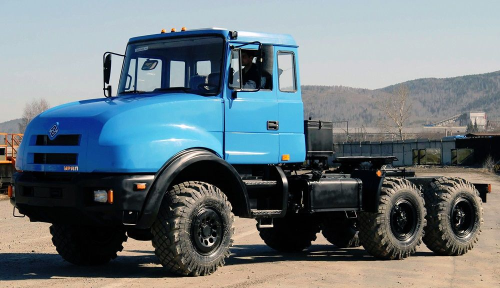 Российский грузовик Урал 44202