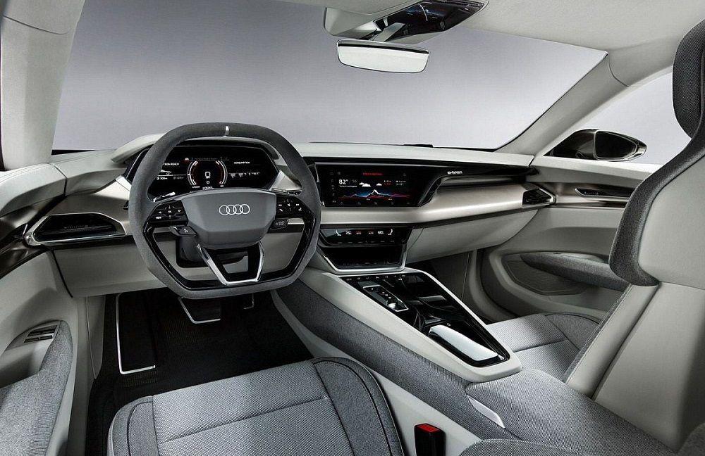 Салон автомобиля Audi E-tron