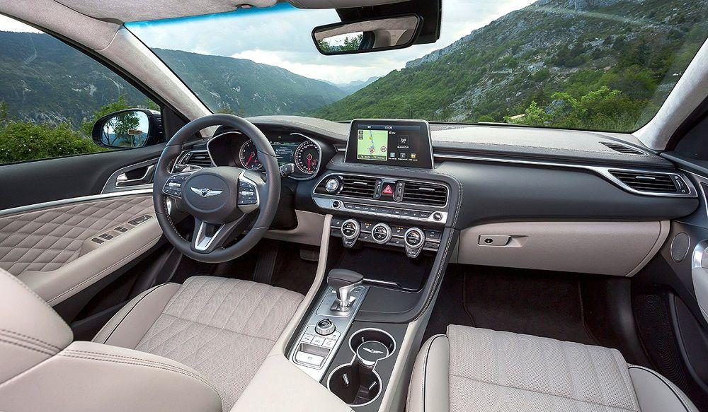 Салон автомобиля Genesis G70