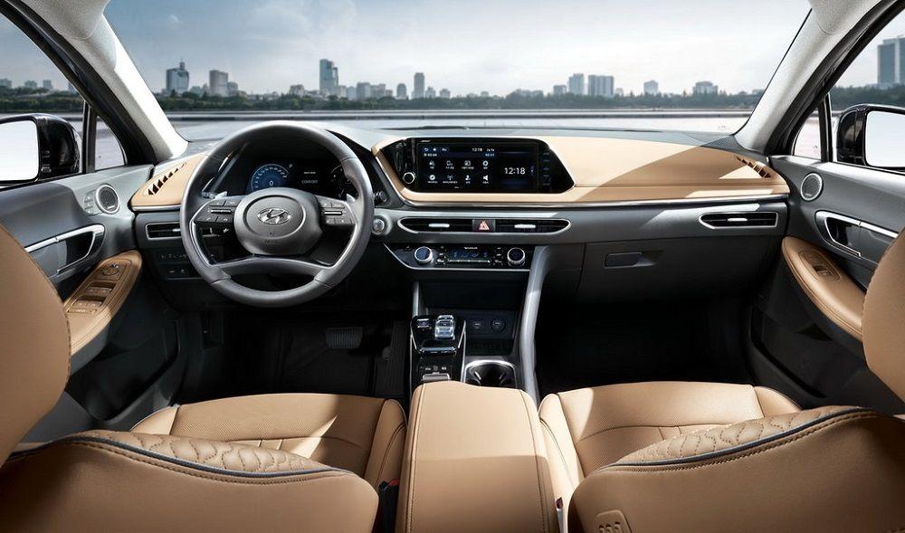 Салон автомобиля Hyundai Sonata