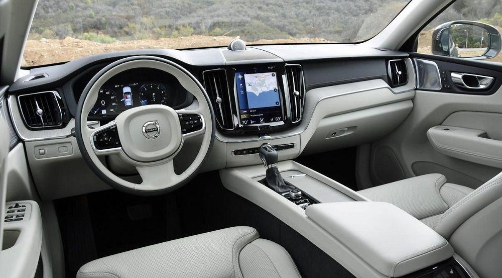 Салон автомобиля Volvo XC60