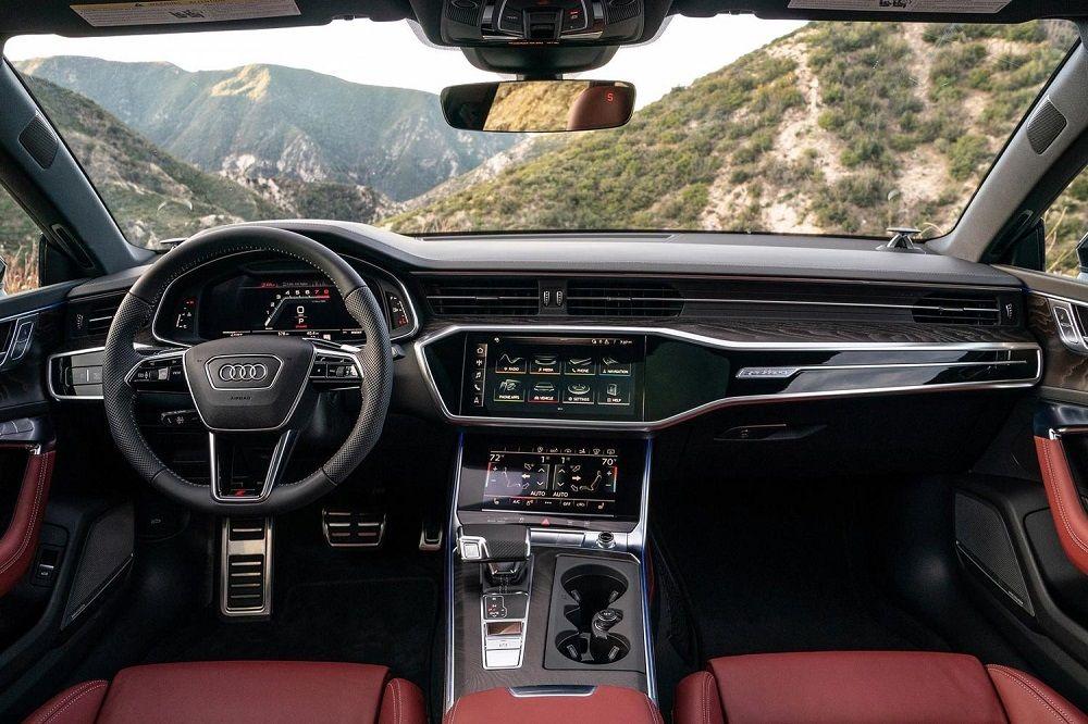 Седан бизнес-класса Audi S6 внутри