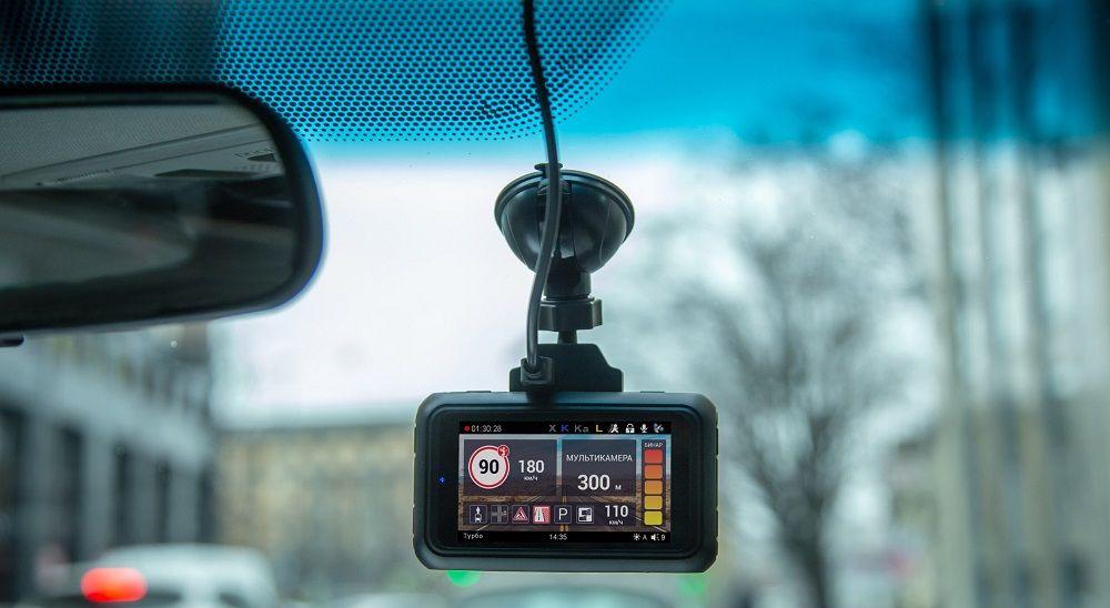 Видеорегистратор с навигатором Roadgid Premier
