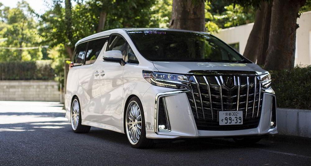 Авто для путешествий Toyota Alphard