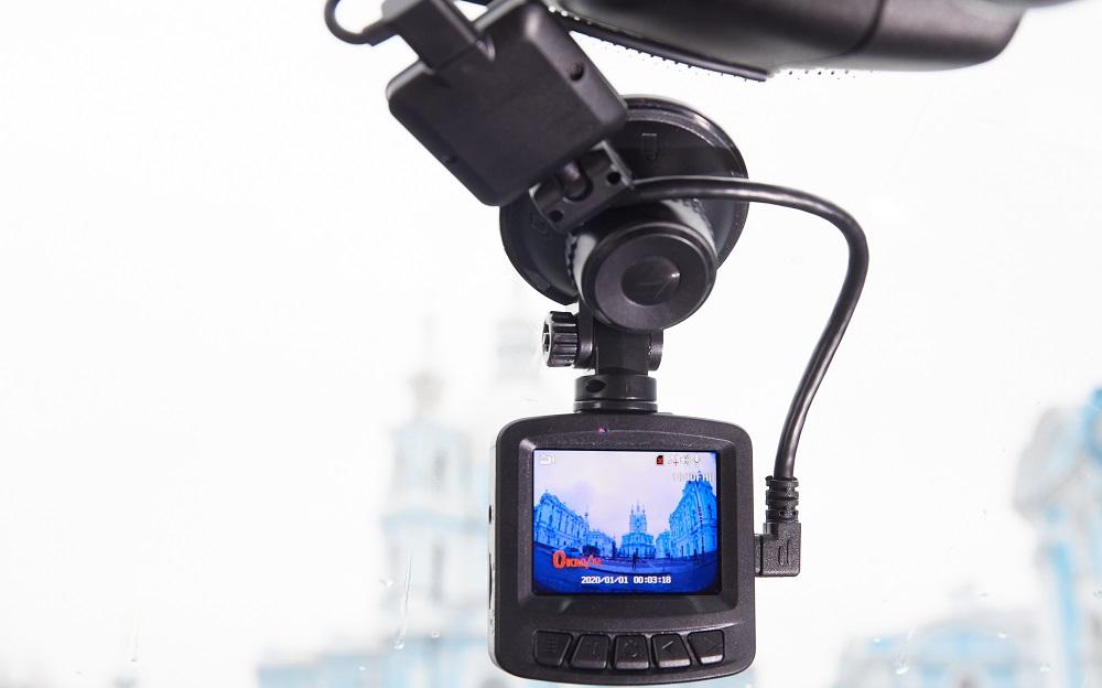 Бюджетный видеорегистратор Artway AV-398 GPS Dual