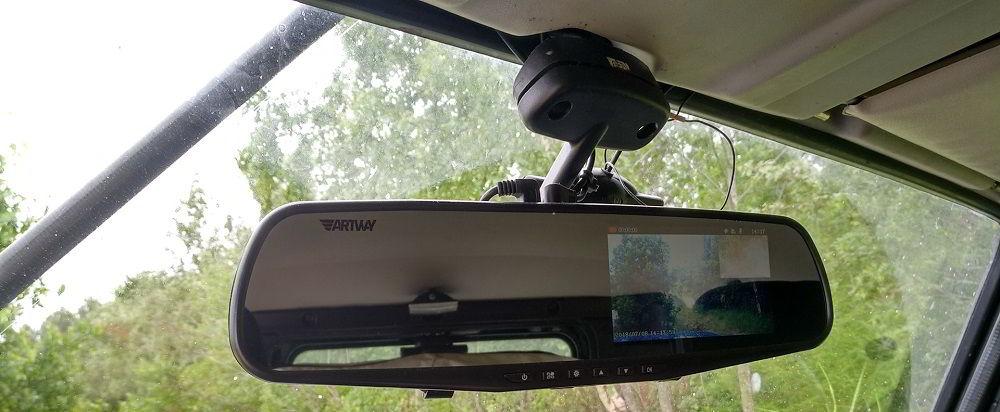 Бюджетный видеорегистратор Artway AV-600