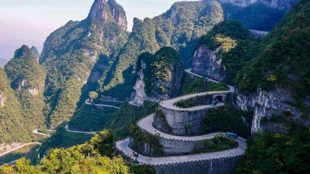 Красивая дорога Тяньмэнь (Китай)
