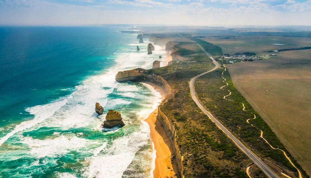 Красивая дорога Великая океанская дорога (Австралия)