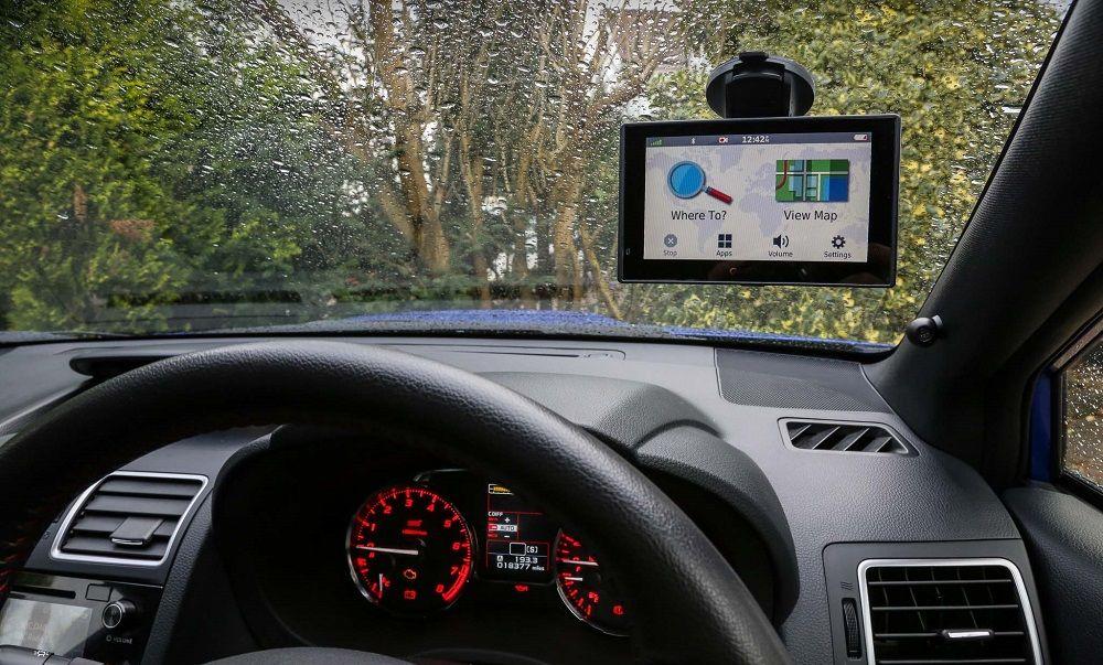 Лучший навигатор Garmin Drive Assist 51