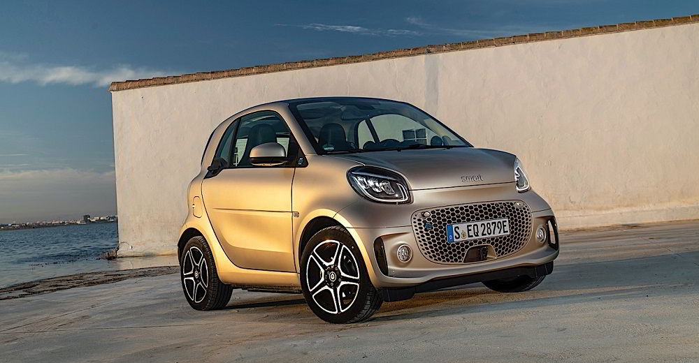 Маленький автомобиль Smart Fortwo