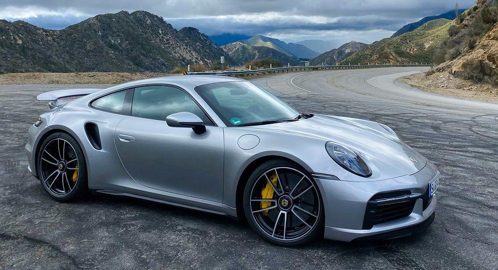 Немецкий автомобиль Porsche 911