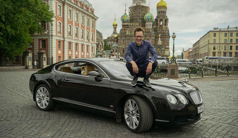 Популярный автоблогер AcademeG