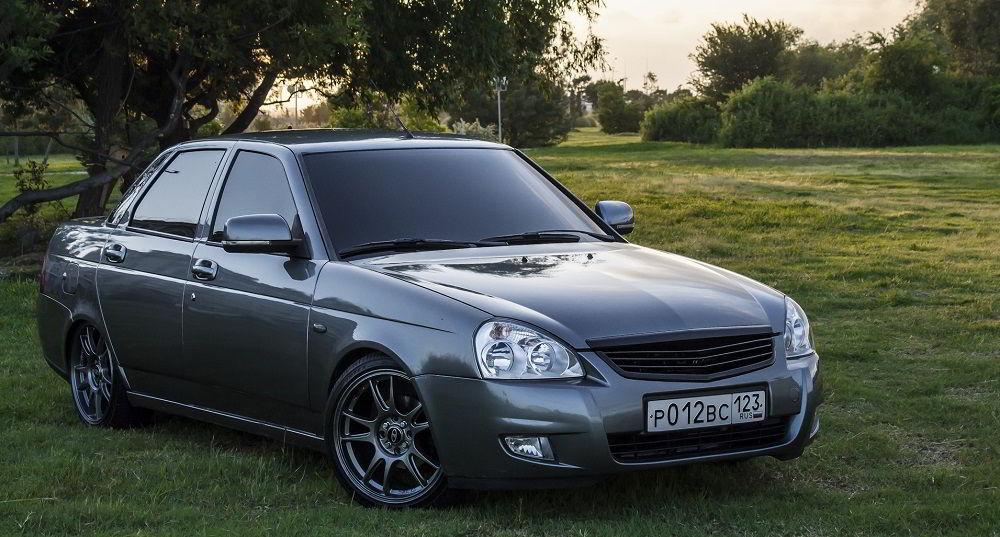 Популярный автомобиль с пробегом Lada Priora