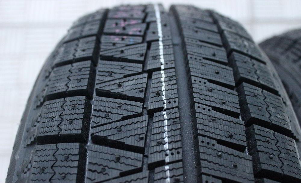 Зимние нешипованные шины Bridgestone Blizzak Revo GZ