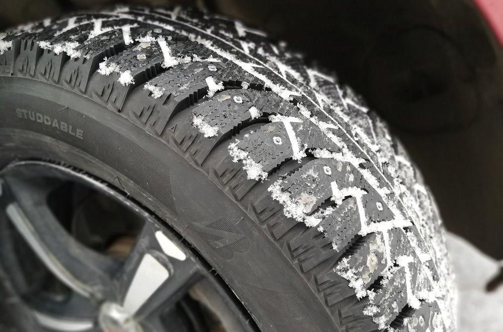 Зимние шипованные шины Bridgestone IceCruiser 7000S
