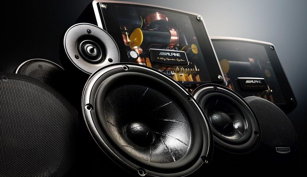 Автомобильная аудиосистема Alpine