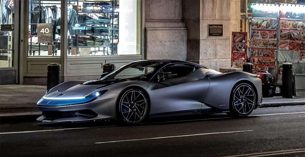 Крутой автомобиль Pininfarina Battista
