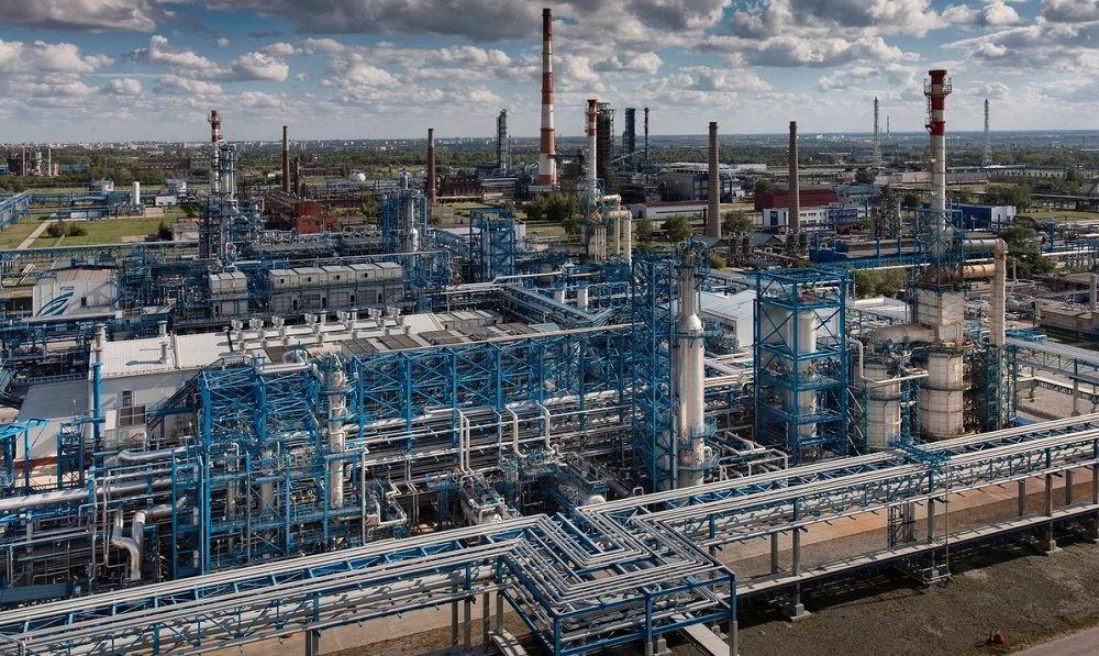 Производитель топлива Омский нефтеперерабатывающий завод
