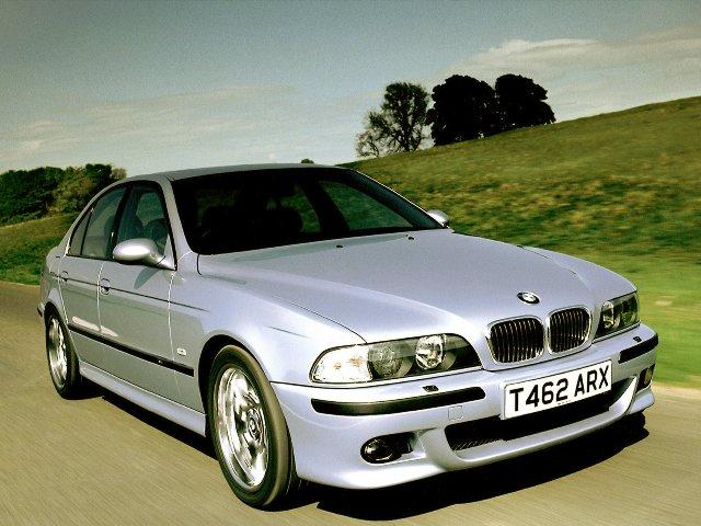 Известный немецкий автомобиль BMW M5