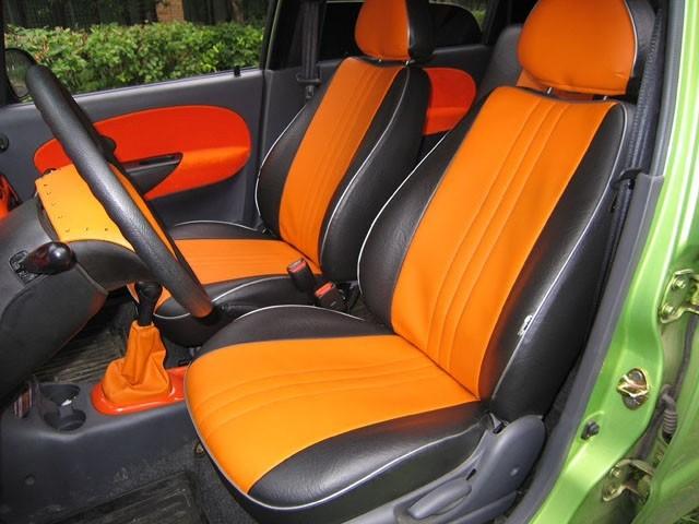 Чехлы помогают придать интерьеру автомобиля красивый или оригинальный внешний вид