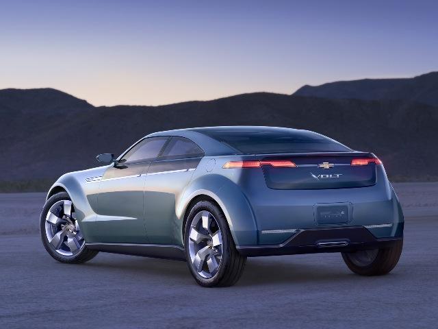 Популярный американский электромобиль Chevrolet Volt