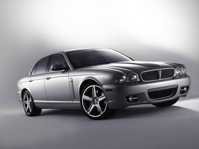 Jaguar XJ - британский седан для настоящих мужчин
