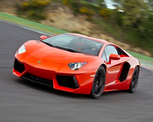 Lamborghini Aventador - шикарный итальянец