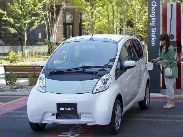 Mitsubishi i MIEV - пятидверный японский электромобиль