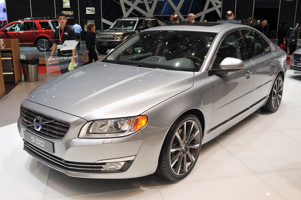 автомобиль-volvo-s80