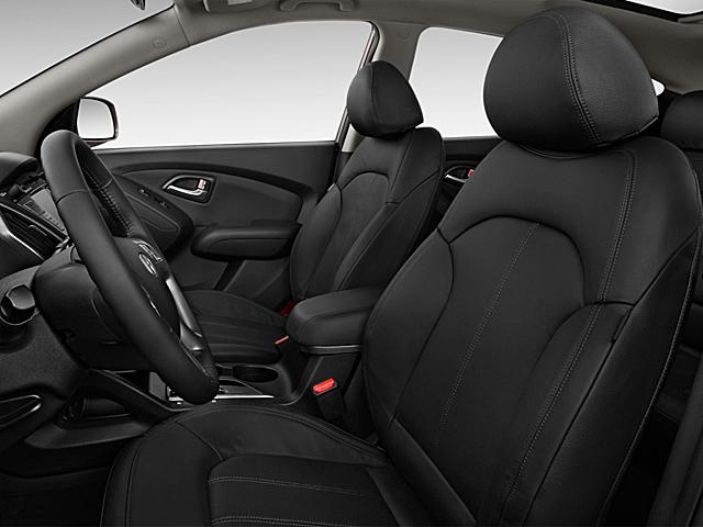 Передние сидения и салон автомобиля Hyundai ix35