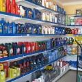 Огромный ассортимент моторного масла в магазинах