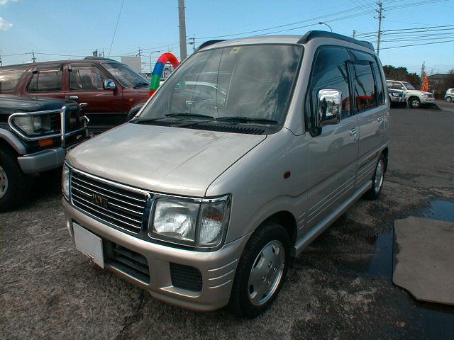 Автомобиль Daihatsu Move