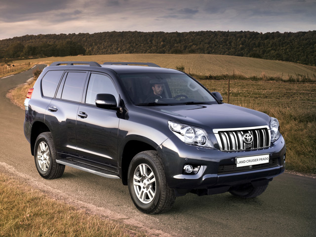 сравнение toyota land cruiser prado и Volkswagen touareg