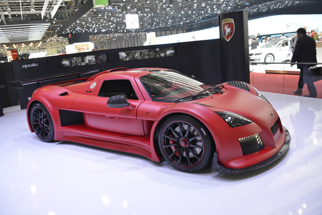 Автомобиль 8Gumpert Apollo S