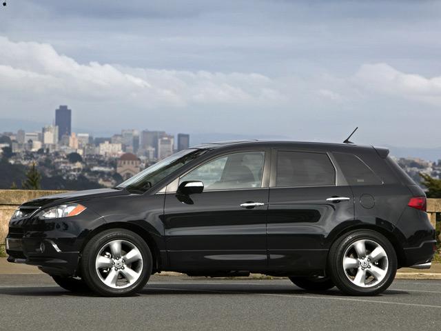Автомобиль Acura RDX: вид сбоку