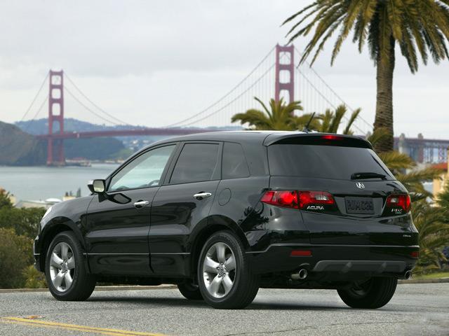 Автомобиль Acura RDX: вид сзади