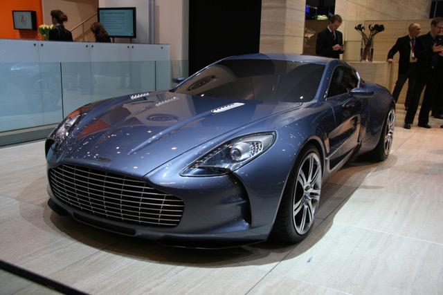 Автомобиль Aston Martin One-77