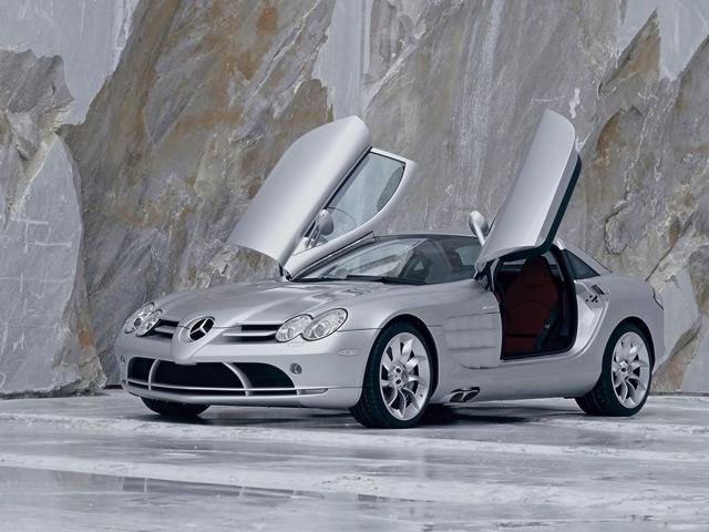 Автомобиль Mercedes-Benz McLaren