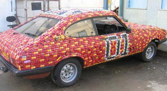 Ford Capri, украшенный детскими машинками