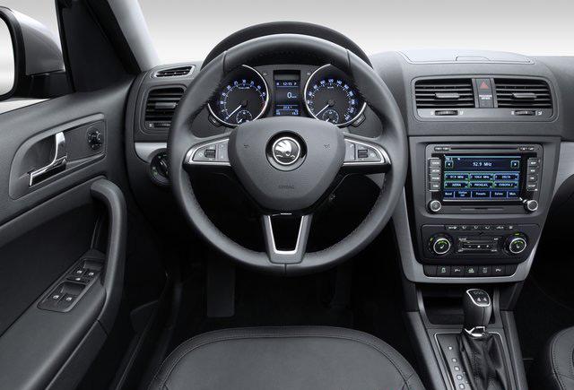 Салон автомобиля Škoda Yeti больше ориентирован на классический дизайн