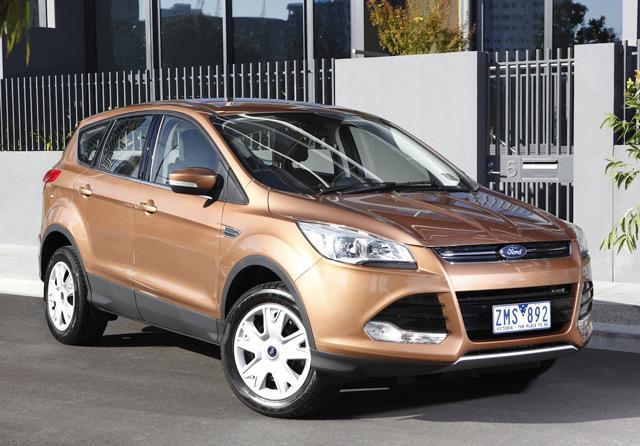 Внешний вид автомобиля Форд Куга имеет типичные признаки других автомобилей этого производителя