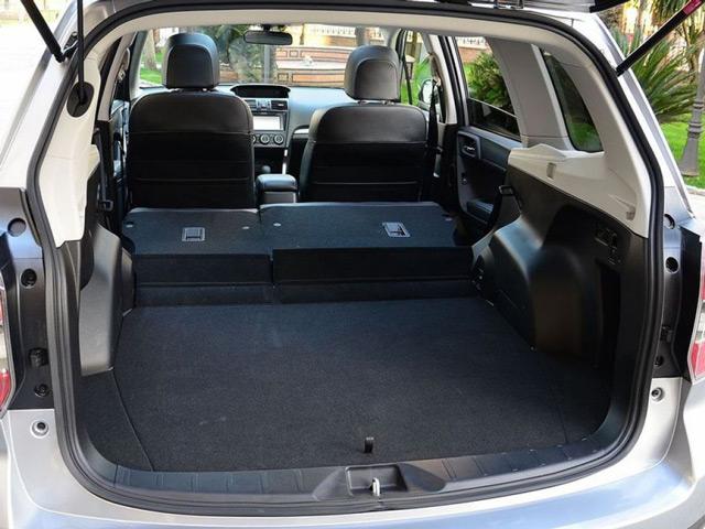 В багажнике автомобиляSubaru Forester