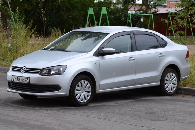 АвтомобильVolkswagen Polo