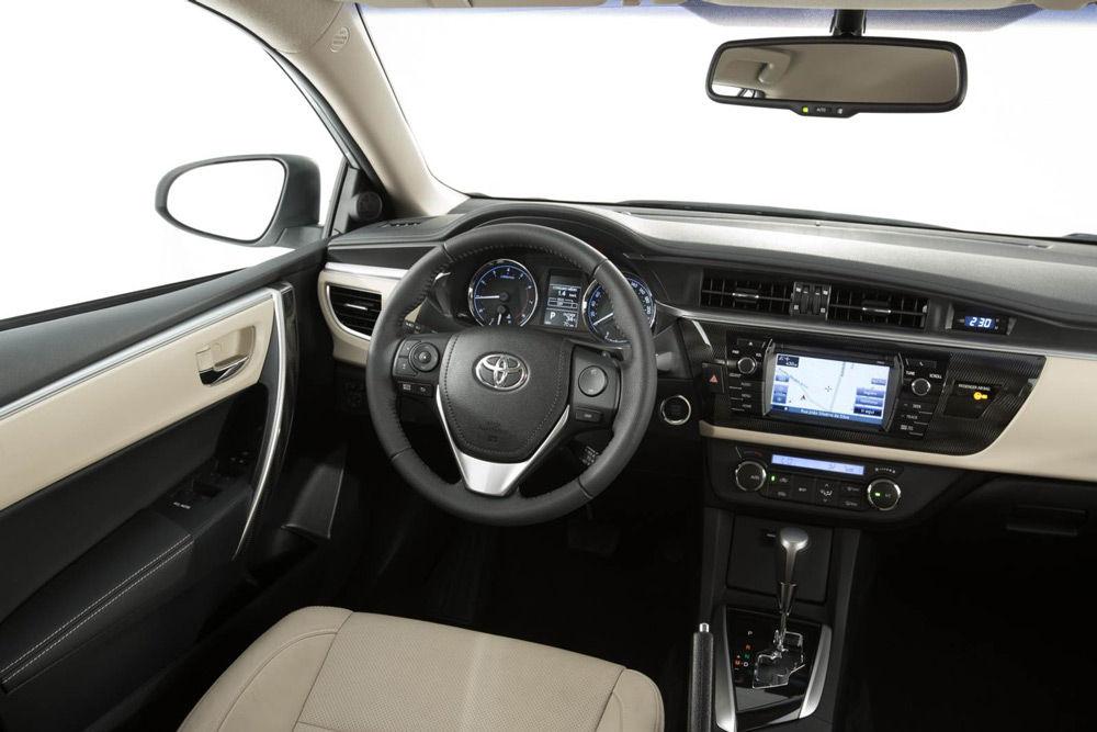 В салоне автомобиляToyota Corolla
