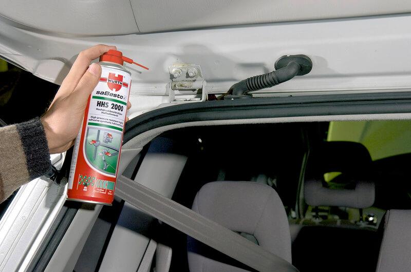 Смазка петель дверей автомобиля