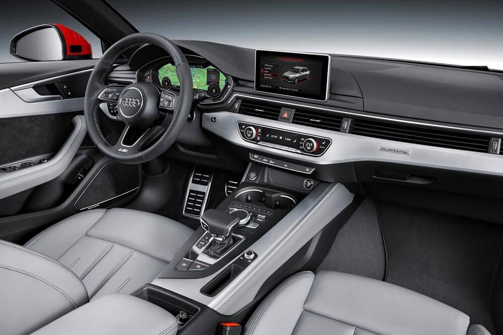 Audi A4 салон