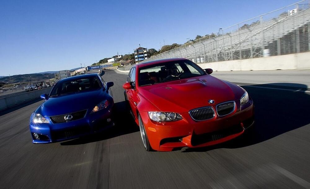 Гонка BMW и Lexus