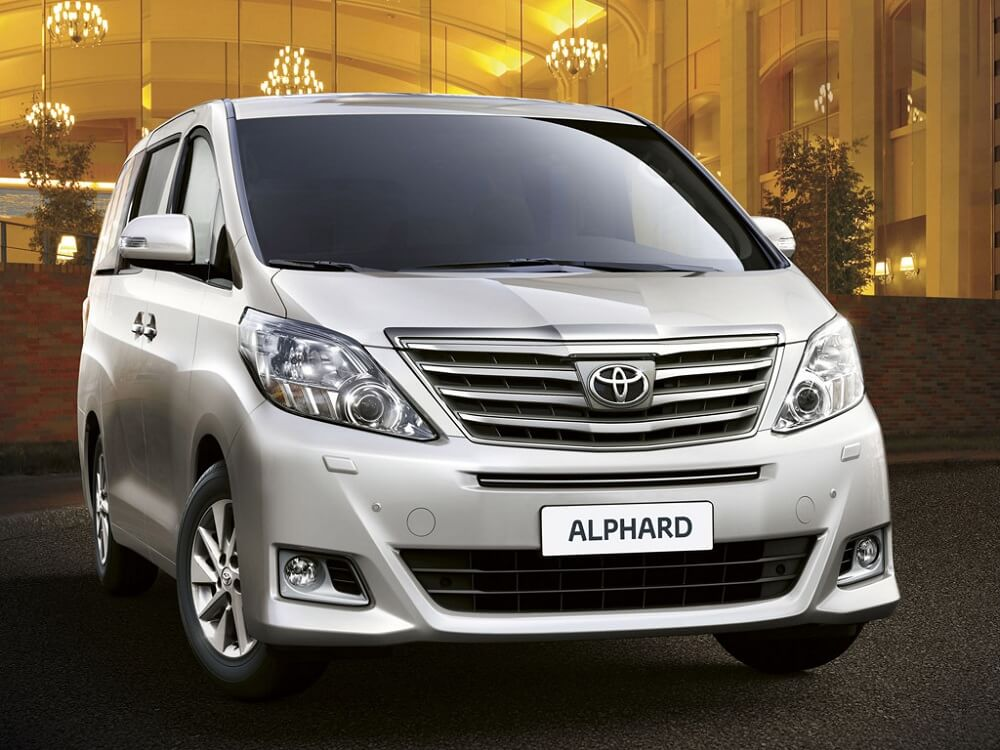 Минивэн Toyota Alphard