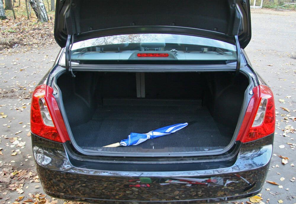 Chevrolet Lacetti багажник