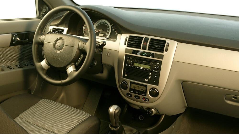 Салон автомобиля Chevrolet Lacetti